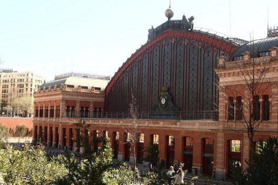 Delta: Phoenix – Madrid, Spain. $593 (Regular Economy) / $473 (Basic Economy). Roundtrip, including all Taxes