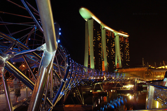 American: Los Angeles – Singapore. $585. Roundtrip, including all Taxes