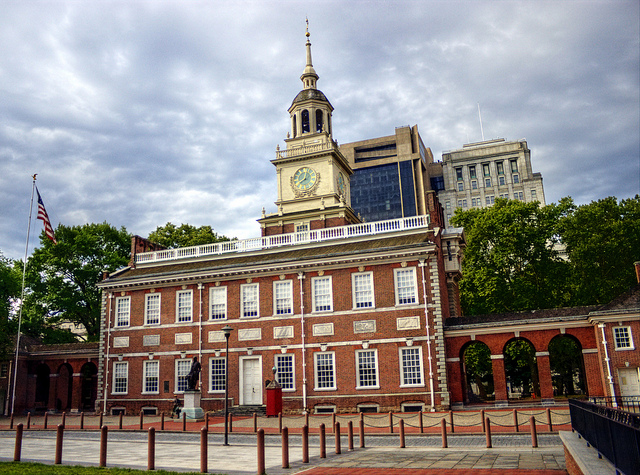 American: Portland – Philadelphia (and vice versa). $172 (Basic Economy) / $242 (Regular Economy). Roundtrip, including all Taxes