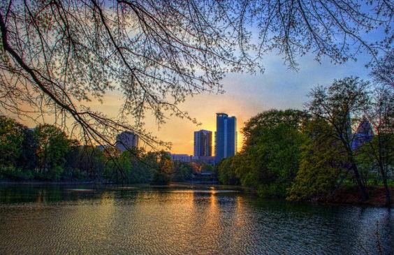 The Shorthaul – American: New York – Atlanta (and vice versa). $70 (Basic Economy) / $140 (Regular Economy). Roundtrip, including all Taxes