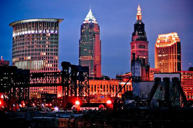 United: Los Angeles – Cleveland, Ohio (and vice versa). $96 (Basic Economy) / $176 (Regular Economy). Roundtrip, including all Taxes