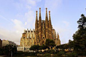 United: Los Angeles – Barcelona, Spain. $506 (Basic Economy) / $645 (Regular Economy). Roundtrip, including all Taxes