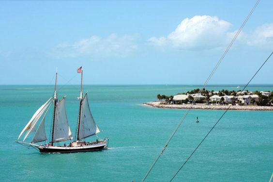 The Shorthaul – American: New York – Key West, Florida (and vice versa). $137 (Basic Economy) / $183 (Regular Economy). Roundtrip, including all Taxes