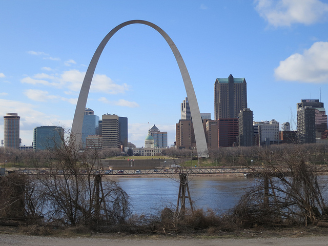 American: Los Angeles – St. Louis (and vice versa). $157. Roundtrip, including all Taxes