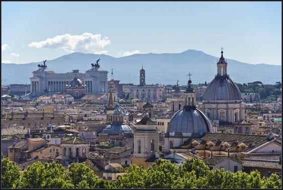 American: San Francisco / Los Angeles / Santa Ana – Rome, Italy. $308 (Basic Economy) / $458 (Regular Economy). Roundtrip, including all Taxes